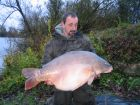 Pottys 46lb 8oz  using meat  & worm boilie from Bench